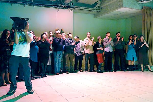 2008-11-24_prezentatzia-tv-664969_w_4