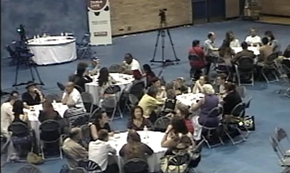 2012-06-28_round-table-toronto_04